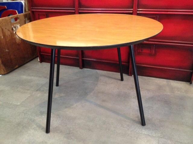 table basse vintage meubles industriel anna colore industriale. Black Bedroom Furniture Sets. Home Design Ideas