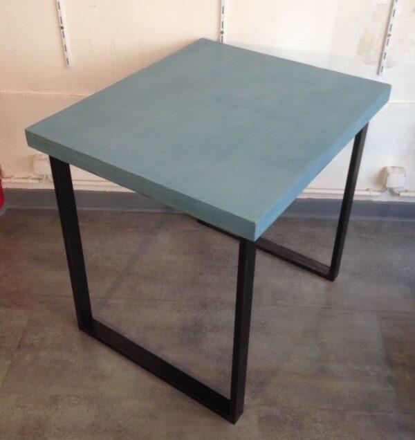 table sur mesure en béton ciré carré 2