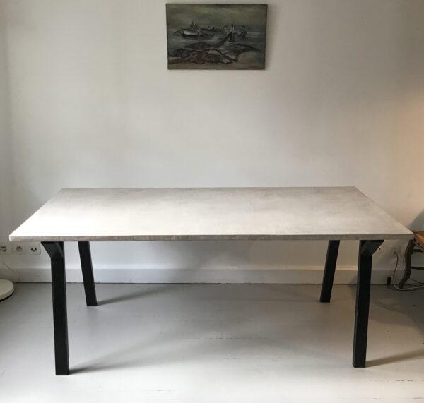 Table sur mesure eb béton ciré