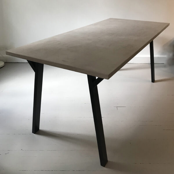 29-Table en béton sur mesure Antilope design italien mobilier industriel Anna colore industriale 7 rue Paul Bert 75011 Paris