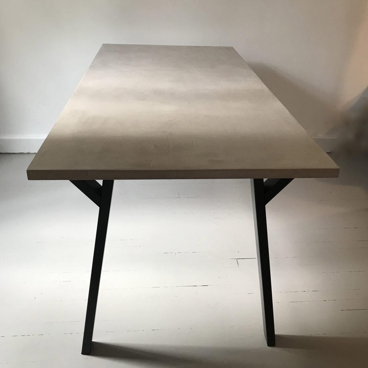Table en béton sur mesure - Meubles industriel   Anna Colore ...