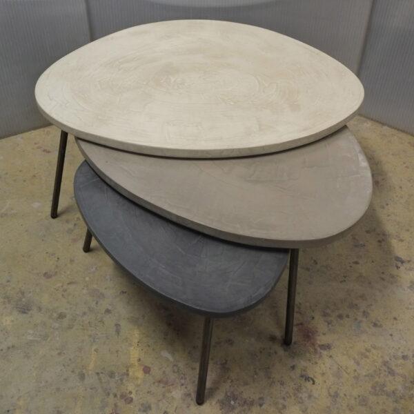 table basse en béton sur mesure tables gigogne tables tripodes design italien Anna Farina fabriqués à Paris mobilier industriel vintage Anna colore industriale-11
