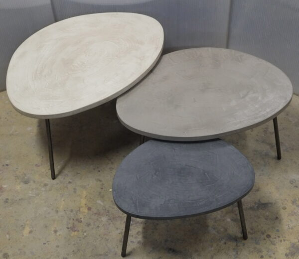 table basse en béton sur mesure tables gigogne tables tripodes design italien Anna Farina fabriqués à Paris mobilier industriel vintage Anna colore industriale-59