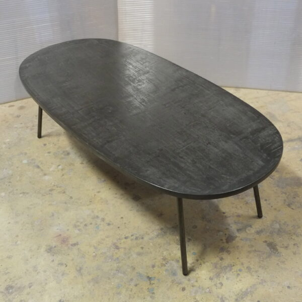 Table béton sur mesure DesignItalien Anna Farina fabrication artisanale pièce unique Anna Colore Industriale-31