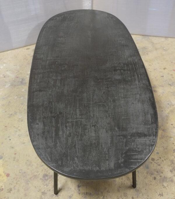 Table béton sur mesure DesignItalien Anna Farina fabrication artisanale pièce unique Anna Colore Industriale-55