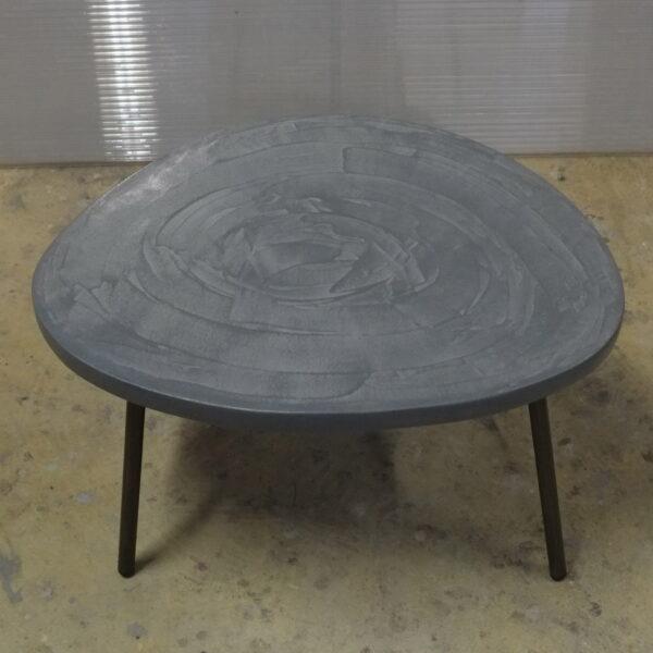 Table en béton sur mesure RUGIADA Design Italien Anna Farina fabrication artisanale Anna Colore Industriale-2